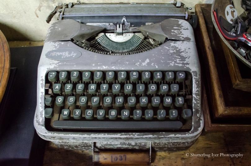 Hermes Manual Typewriter with AZERTY Keyboard